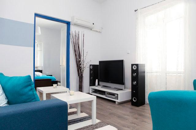 Beach Apt 50 Ft From Sea Line - Image 1 - Tel Aviv - rentals