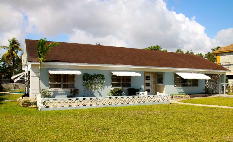 street view of the front of the house - Bahamian Cottage with Pool - Nassau - rentals