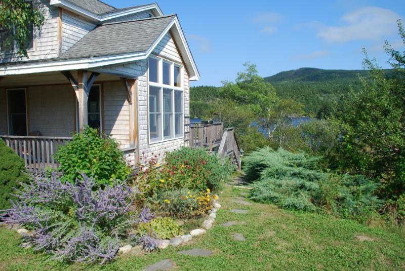 Ponds Edge - Image 1 - Southwest Harbor - rentals