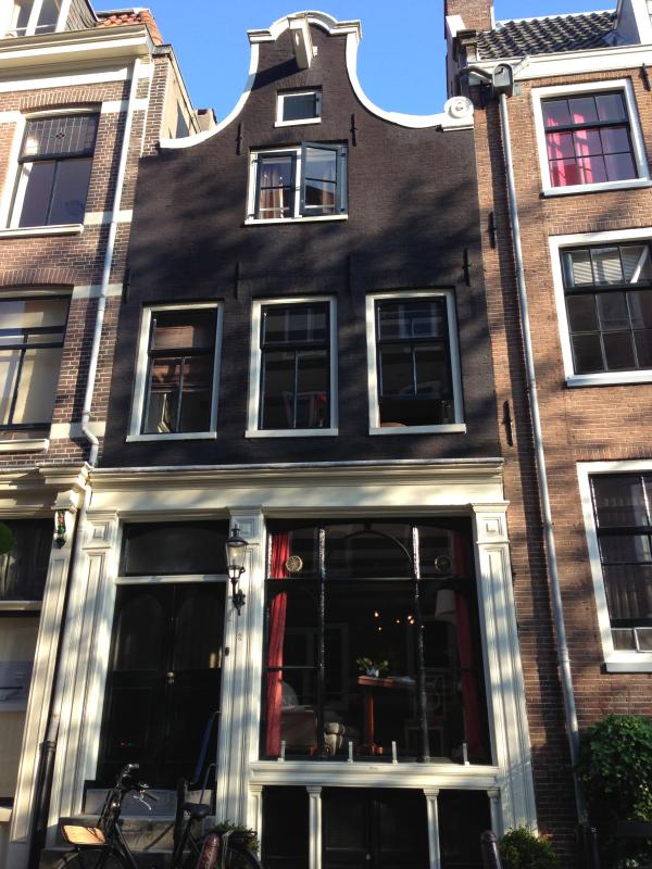 Tradtional dutch canal house built in 1740 - Luxurious classic gable Dutch house canal views - Amsterdam - rentals