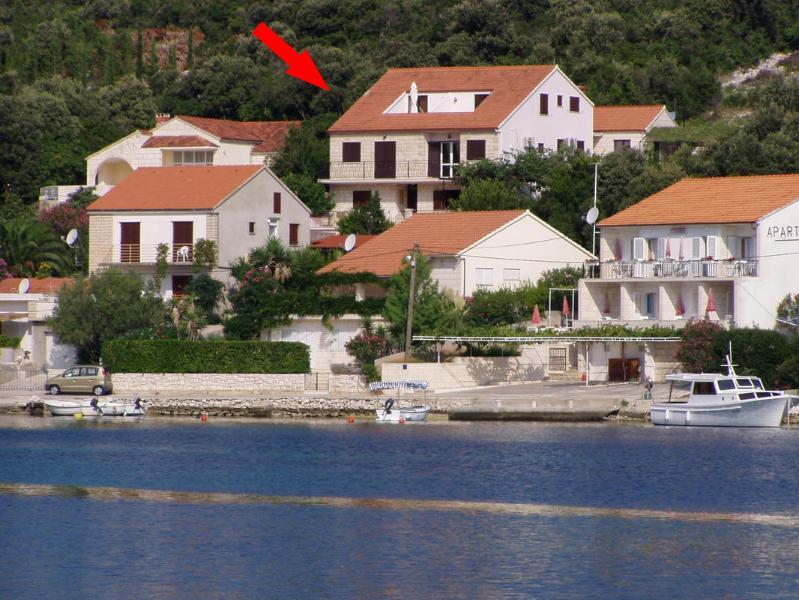 Apartment Cebalo Korcula - beachfront and quiet - Image 1 - Korcula - rentals