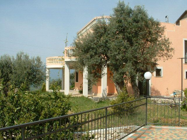 VILLAROSA - Enchanting Villa On A Hill Near Gerace  Italy - Gerace - rentals
