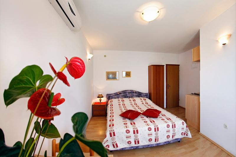 Studi apartment A2 ( 2+0 ) - Family-friendly apartment EMMA A2 ( 2+0) - Orebic - rentals
