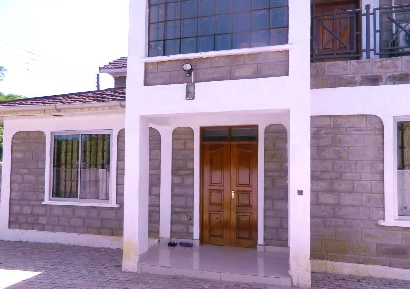 Front Entry - California House Kisumu Kenya - Kisumu - rentals