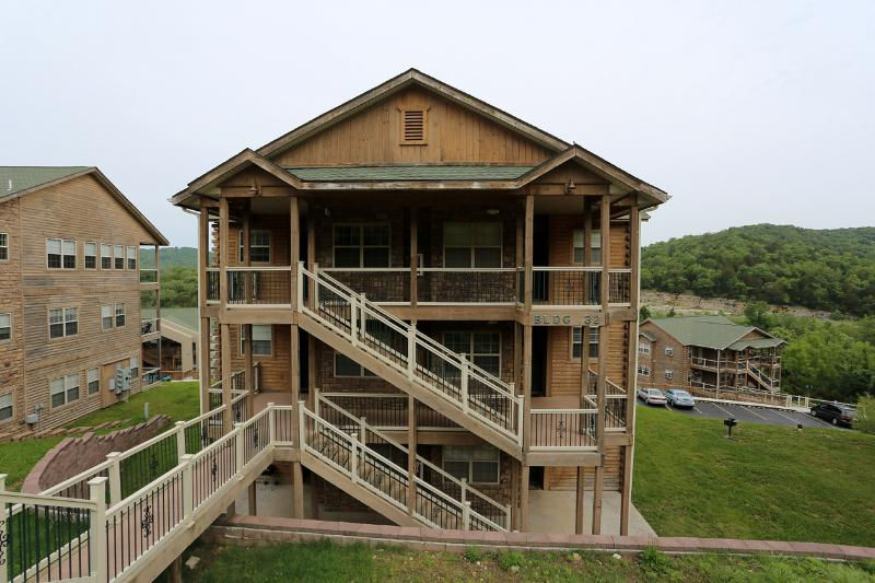 Branson Vacation Rental | Eagles Nest | Indian Point | Silver Dollar City | 2-3 Steps (3210604) - Image 1 - Branson - rentals