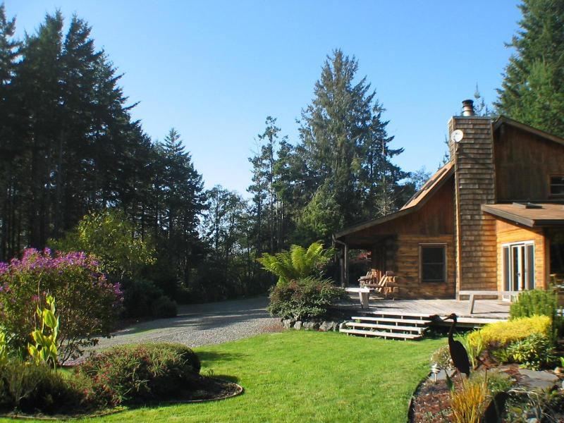 view from the south - Idyllic Log Home Near Coast - Trinidad - rentals