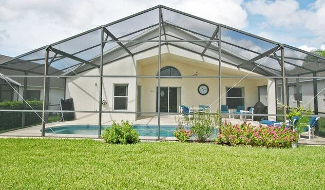 Private Backyard - Beautiful Disney Home with Private Pool and Wifi - Davenport - rentals