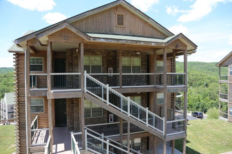 Branson Vacation Rental | Eagles Nest | Indian Point | Silver Dollar City | Top level (3210606) - Image 1 - Branson - rentals