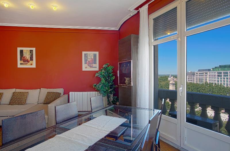 Views Gran Via St.Center, 6 balconies,  OFFERS - Image 1 - Madrid - rentals