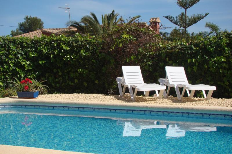 Villa with private pool 800m from sea - Image 1 - Calpe - rentals