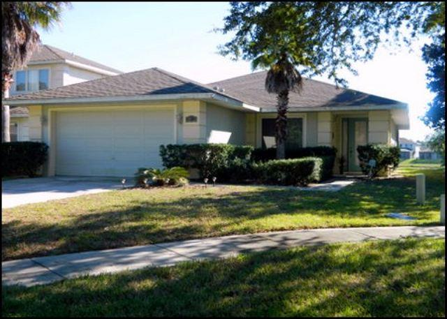 Beautiful 4 Bed 3 Bath Luxury Home with Private Pool & Lake View. (AV8434SL) - Image 1 - Four Corners - rentals
