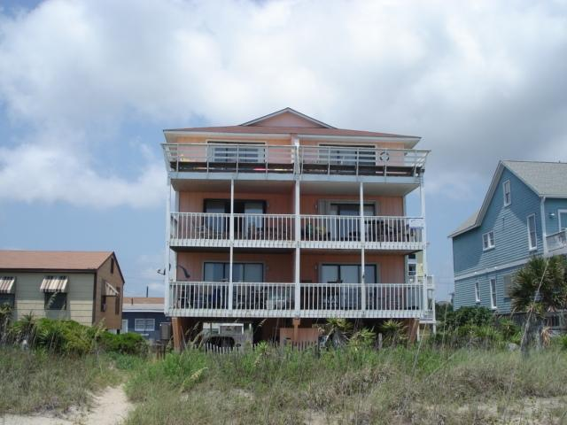 """Wake up to a sunrise over the ocean while having coffee on the deck. - """"Tiki Time"""" 115372 - Carolina Beach - rentals"""
