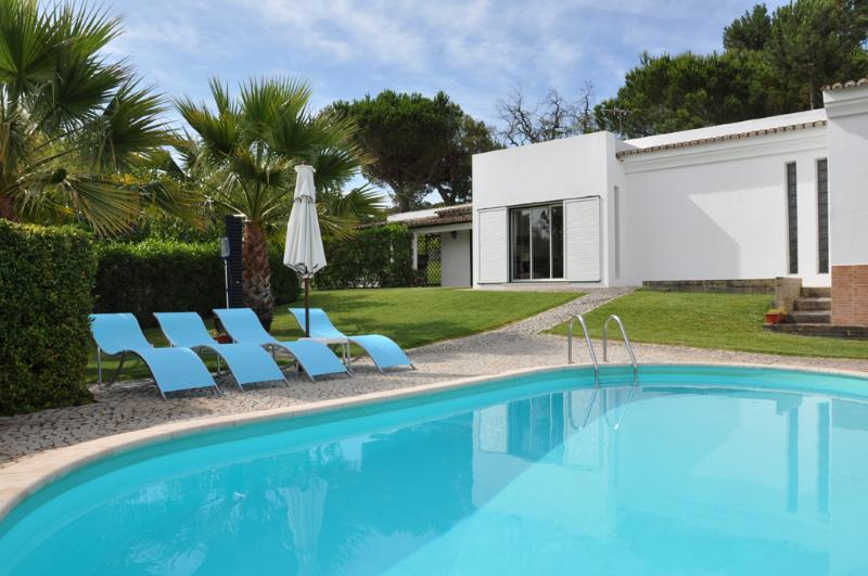 Pool and part of the garden - Casa Bisavos - Vale do Lobo - rentals