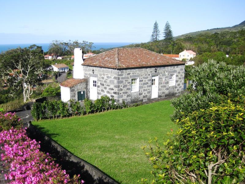 Casa da Faia - front - Casa da Faia - holiday home over viewing the ocean - Horta - rentals