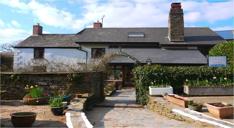 Burton Farmhouse - Burton Farmhouse B&B - nr Hope Cove, Kinsbridge - Kingsbridge - rentals