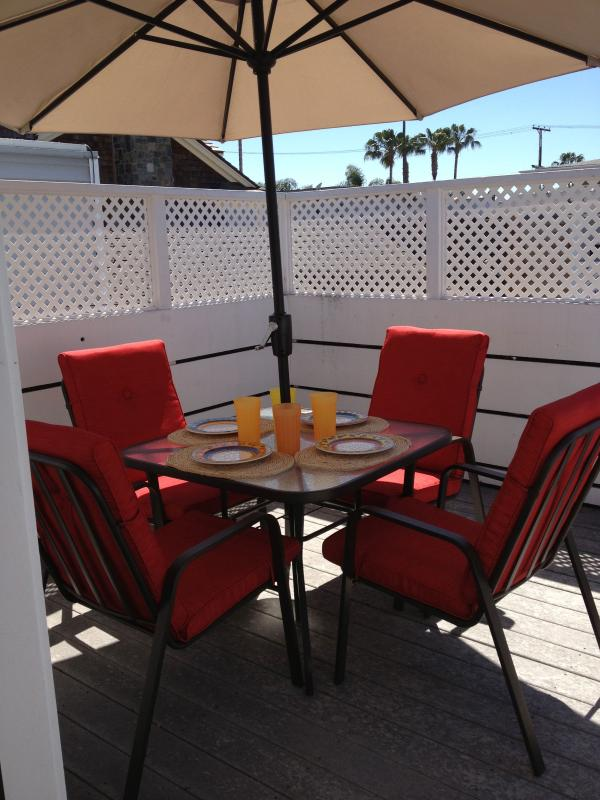Dining on the Deck - Balboa Island, Heavenly Deck - Balboa Island - rentals