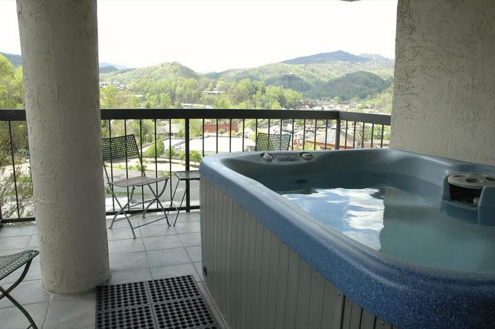 Private Hot Tub on Corner Balcony - #401 Gatlinburg Chateau - 2 Bedroom Condo - Gatlinburg - rentals