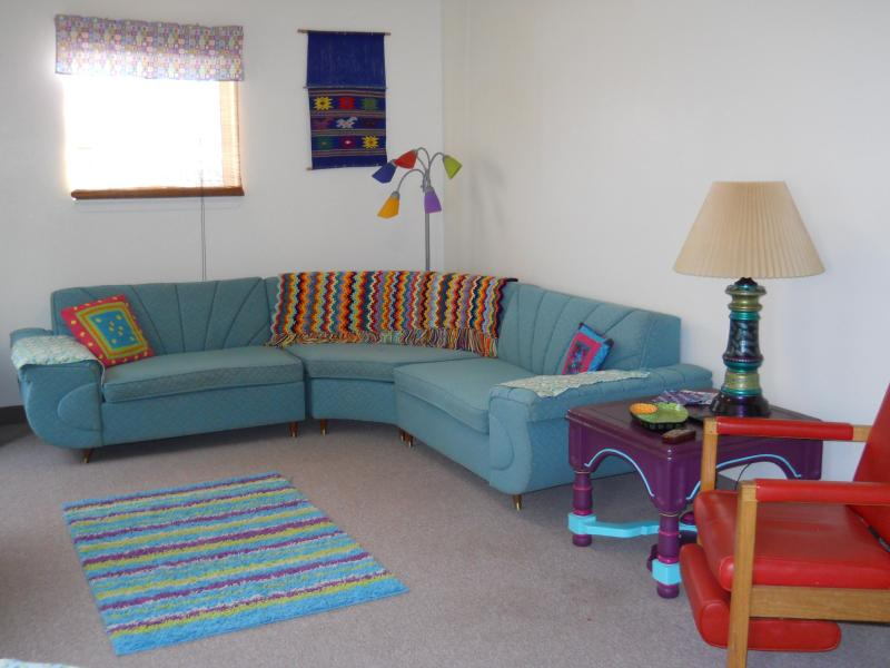 Living room - Retro Retreat - Kanab - rentals