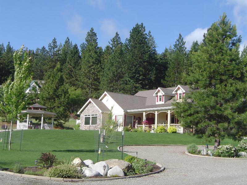 Blue Sky, The Pines, And Enjoy The Gazebo - American Country B&B - Coeur d'Alene - rentals