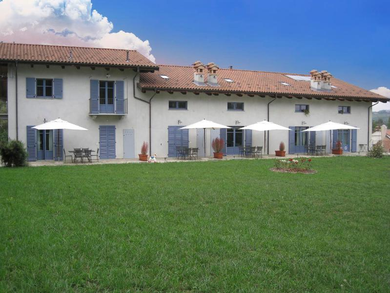 Holiday house in Cascina Arcangelo Raffaele - Image 1 - Verduno - rentals