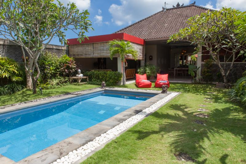 Great 3bed gateway in Seminyak central - New refurbished 3 bedroom villa with AC - Jimbaran - rentals