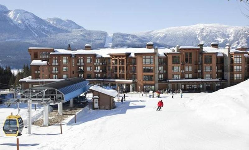 Our ski-in/ski-out condos have an unbeatable location. - Ski in / Ski Out : It doesn't get any better! - Revelstoke - rentals