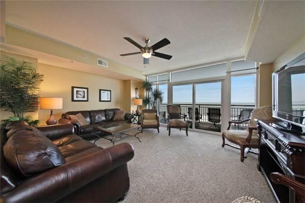 Lovely Ocean Blue Resort Vacation Rental with a Jacuzzi and Balcony - Image 1 - Myrtle Beach - rentals