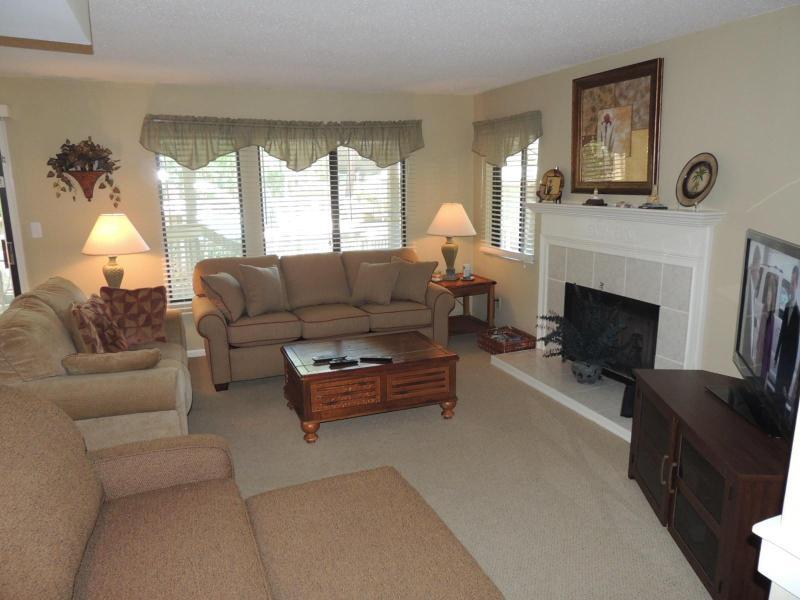 2 bedroom 2 bath Beachwalk condo! PET  FRIENDLY! - Image 1 - Hilton Head - rentals