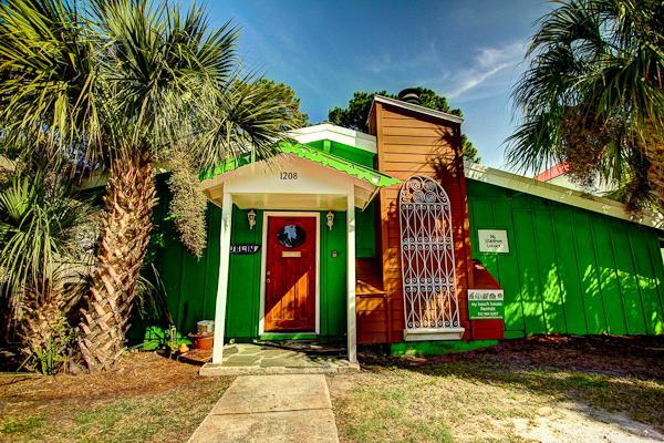 Shamrock Lodge sleeps 15 - Large beach house,Sleep 15,Shamrock Lodge, Pets ok - Tybee Island - rentals