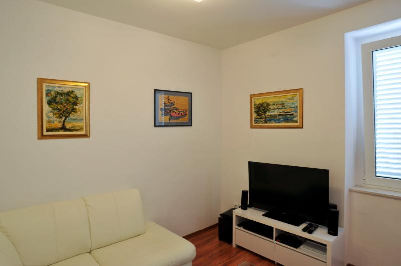 Split quiet apartment in the city center - Image 1 - Split - rentals