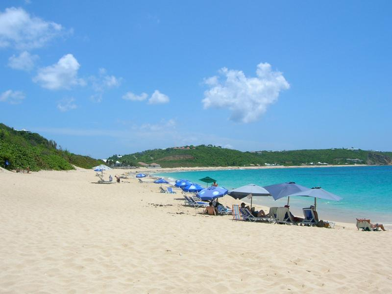The 'Baie rouge beach', just a 3 minutes car drive away - Caribbean Beauty, select 3 BR condo, Cupecoy - Saint Martin-Sint Maarten - rentals