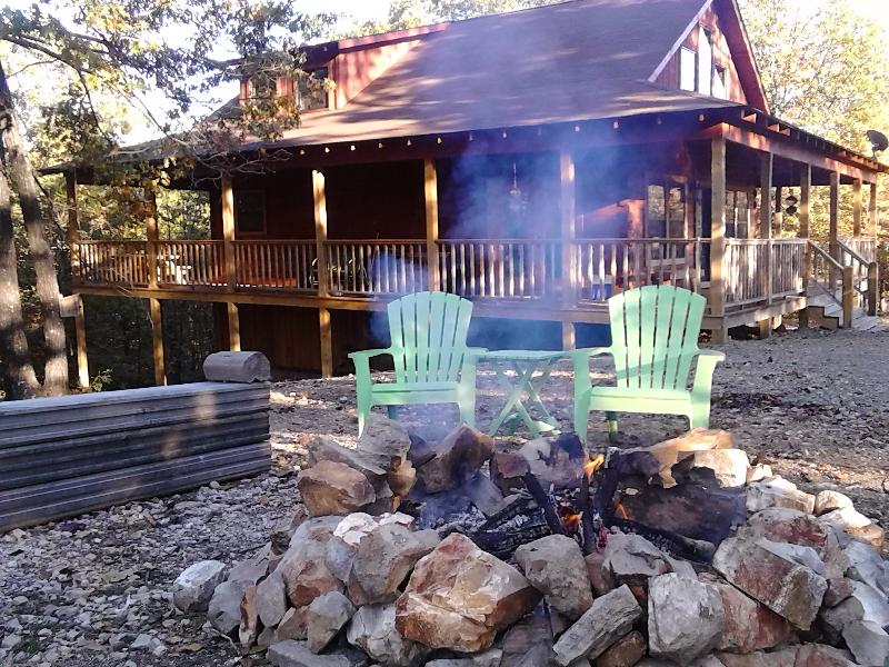 Enjoy the peace and quiet at our cabin - Robin's Nest log cabin - Hot Springs - rentals