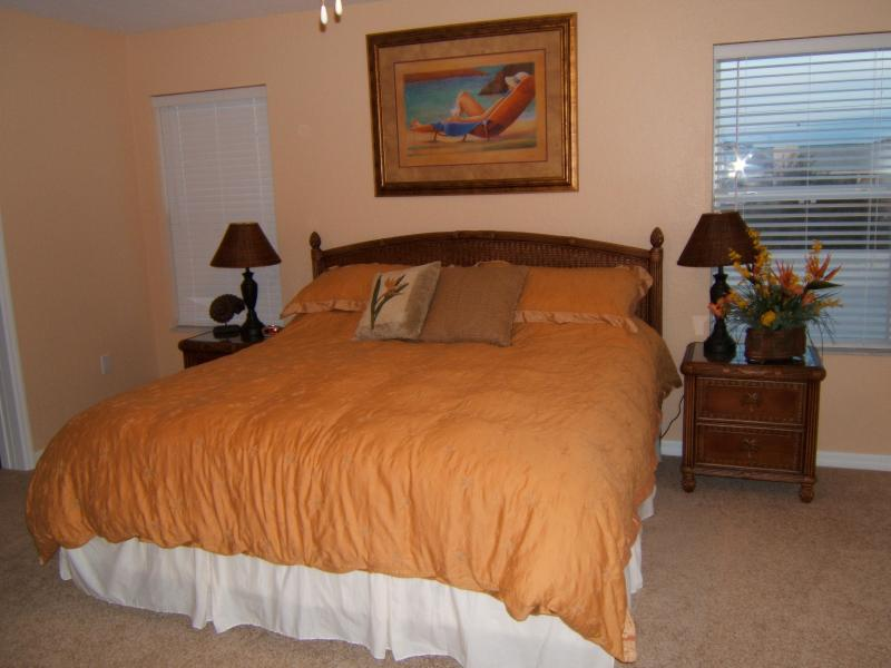 Master Bedroom with King Size Bed - Oceanway , Indian Rocks Beach Condo - Indian Rocks Beach - rentals
