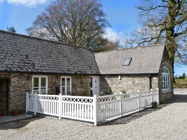 ROSEMOUNT COACH HOUSE, multi-fuel stove, great family cottage, ground floor - Image 1 - Enniscorthy - rentals