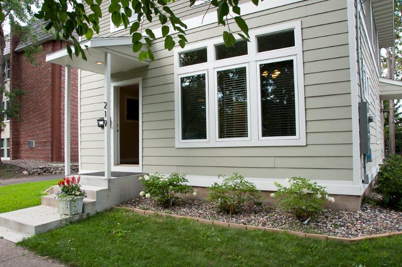MPLSvr - Park Front Luxurious Home in Very Desirable Area! - Image 1 - Minneapolis - rentals