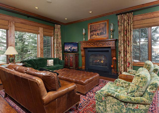 Fantastic for family & friends! Luxury setting right in Town - Image 1 - Jackson - rentals