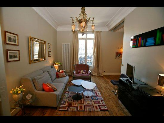 Exceptional 2 Bedroom Parisian Apartment - Image 1 - 1st Arrondissement Louvre - rentals