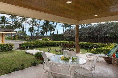 Ehu Kai - Luxurious Cottage Kailua Beachfront - Image 1 - Kailua - rentals