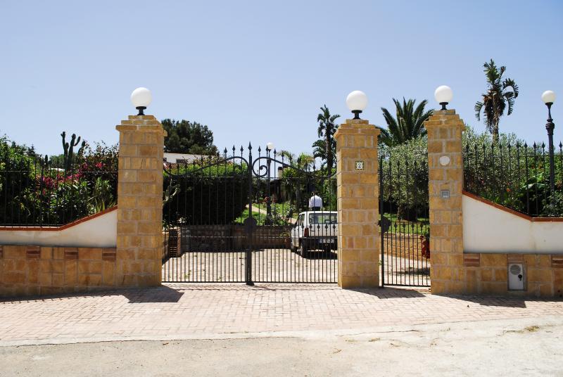 Entry - Casaletto - Palermo - rentals