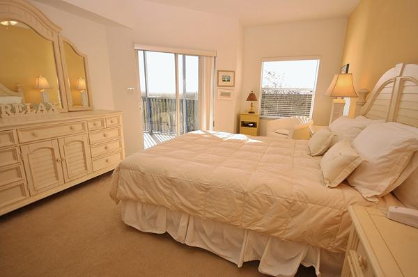 Master Bedroom with Queen Size Bed - Nature's Celebration- 2BR/2BA at Oceanwalk 9-406 - New Smyrna Beach - rentals