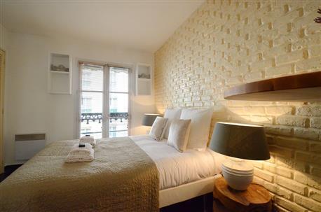 Petit Pompidou Paris Studio Apartment - Image 1 - Paris - rentals