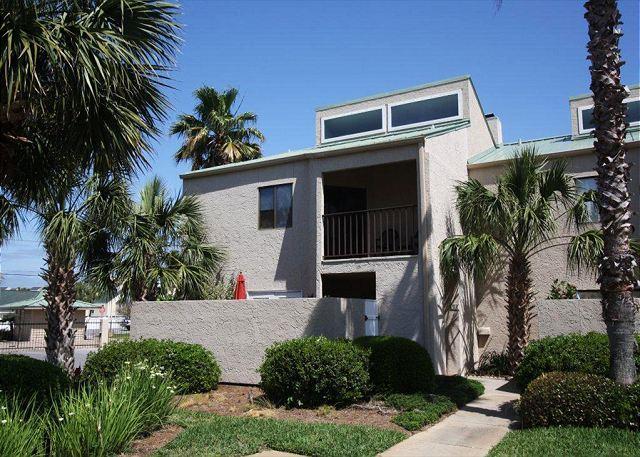 Shoreline Garden Townhome-Still Available for Snowbird/Monthly Winter Rental! - Image 1 - Destin - rentals