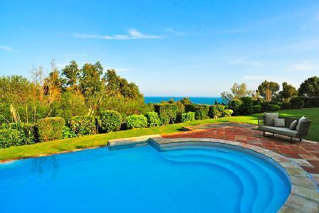 La Reserve - Villa 10 with memorable sea views, tiered garden & pool - Image 1 - Ramatuelle - rentals