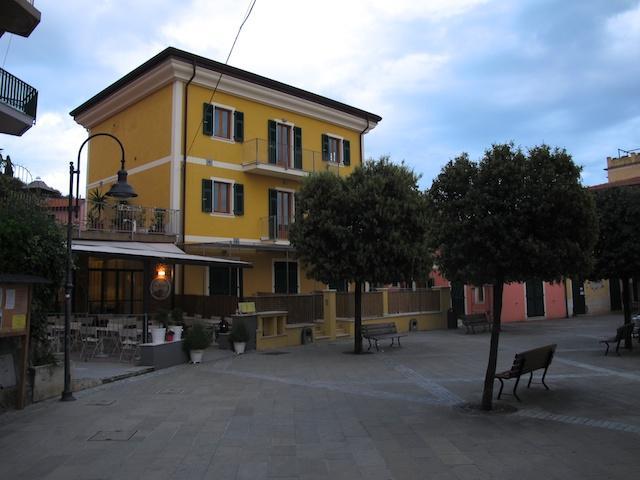Creuza de ma - Apartments in Tellaro main square - Image 1 - La Spezia - rentals