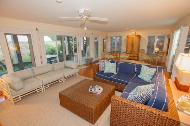 Living area - 6506 A Oceanfront - Virginia Beach - rentals