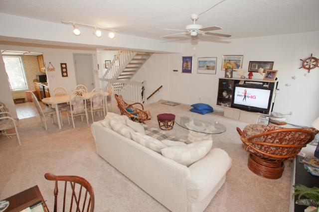 Living Area - 341 25th Street - Virginia Beach - rentals