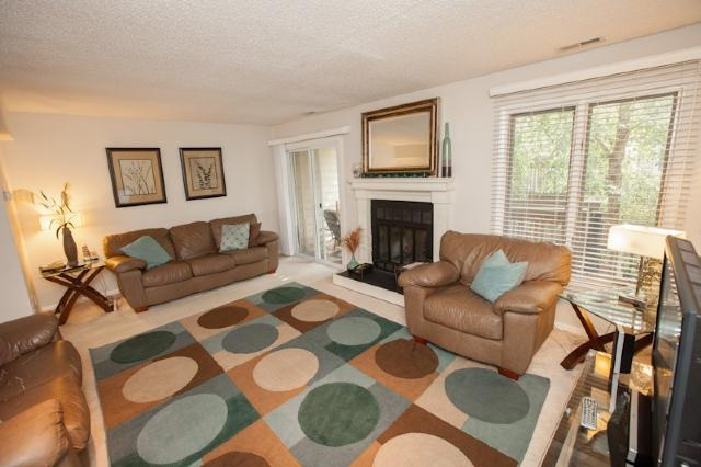 Living Area - 340 25.5 Street - Virginia Beach - rentals