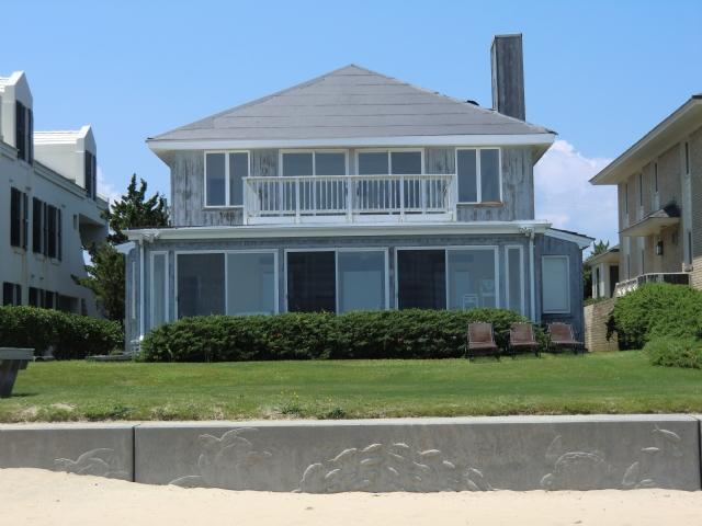 Exterior - 4702 Ocean Front Ave - Virginia Beach - rentals