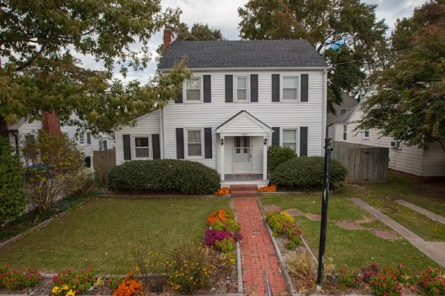 Front Exterior - 405 27th Street - Virginia Beach - rentals
