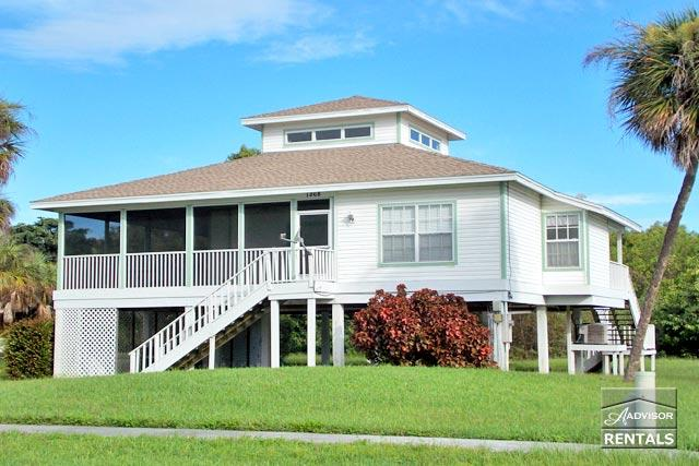Old Florida style house with beautiful hardwood floors and skylights! - Image 1 - Marco Island - rentals